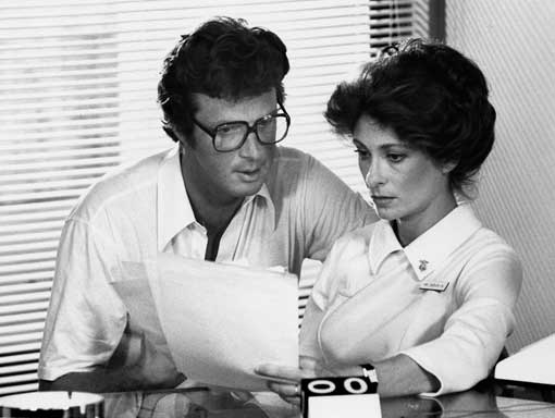 Michael Crichton and Elizabeth Ashley on the set of Coma